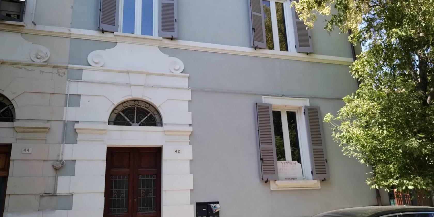 Appartamento in villa viale Giuliano Vanzolini, Pesaro