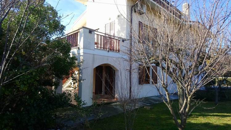Villa bifamiliare Strada Casella, Tavullia