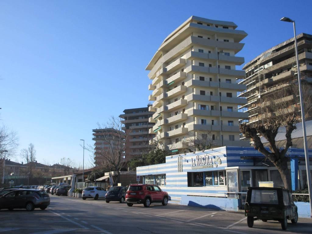 Trilocale viale Londra, Pesaro