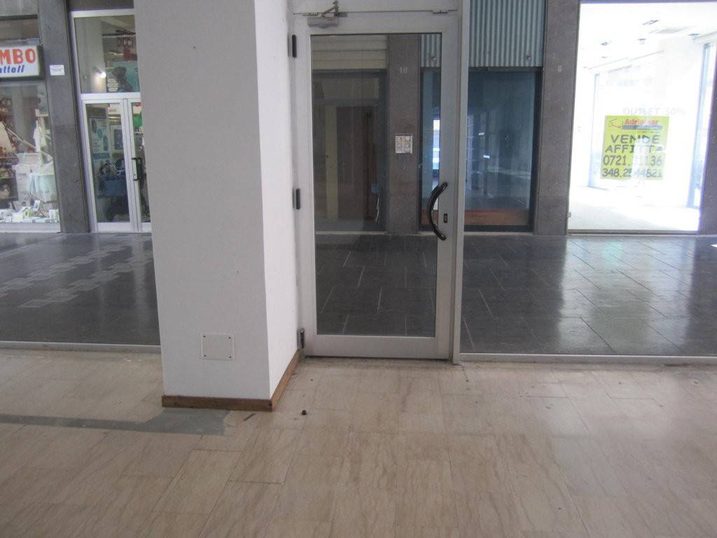 Locale commerciale Galleria Roma, Pesaro