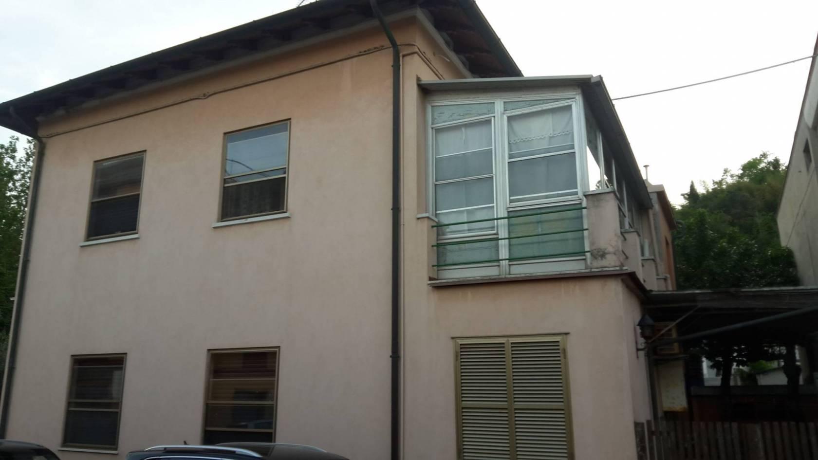 Villa a schiera via Romeo Gennari, Pesaro