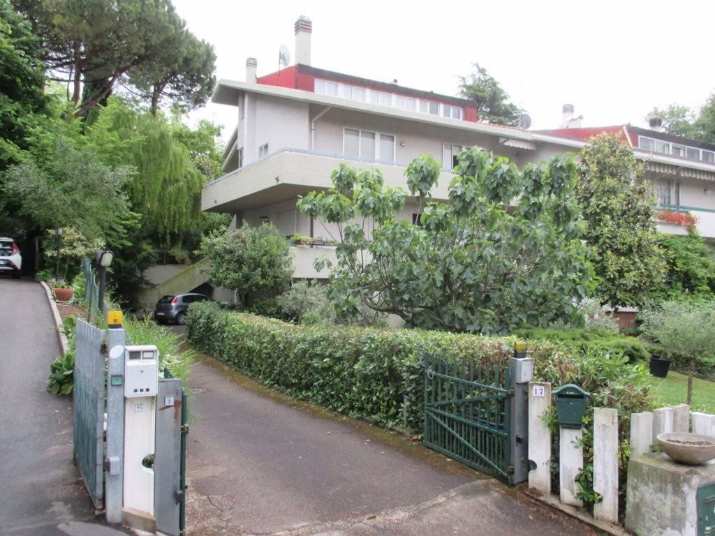 Villa bifamiliare via del Pettirosso, Pesaro
